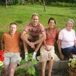 10_family3.jpg